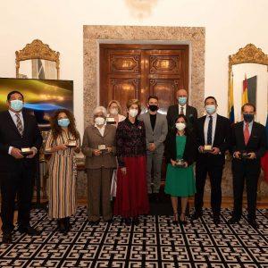 oscar-oviedo-premio-embajada-colombia (1)